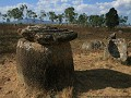 plain of jars 1, pot met deksel